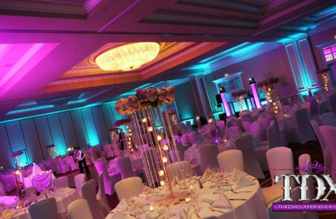 14-TDX-LED-Uplights-in-Ballroom